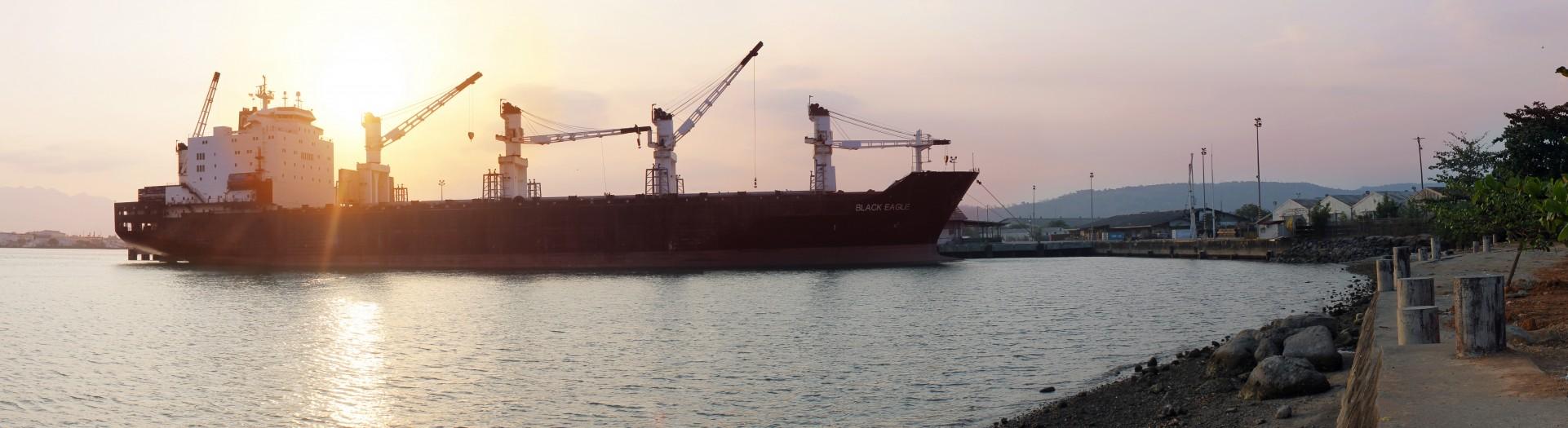 ship-698057-e1437068316436